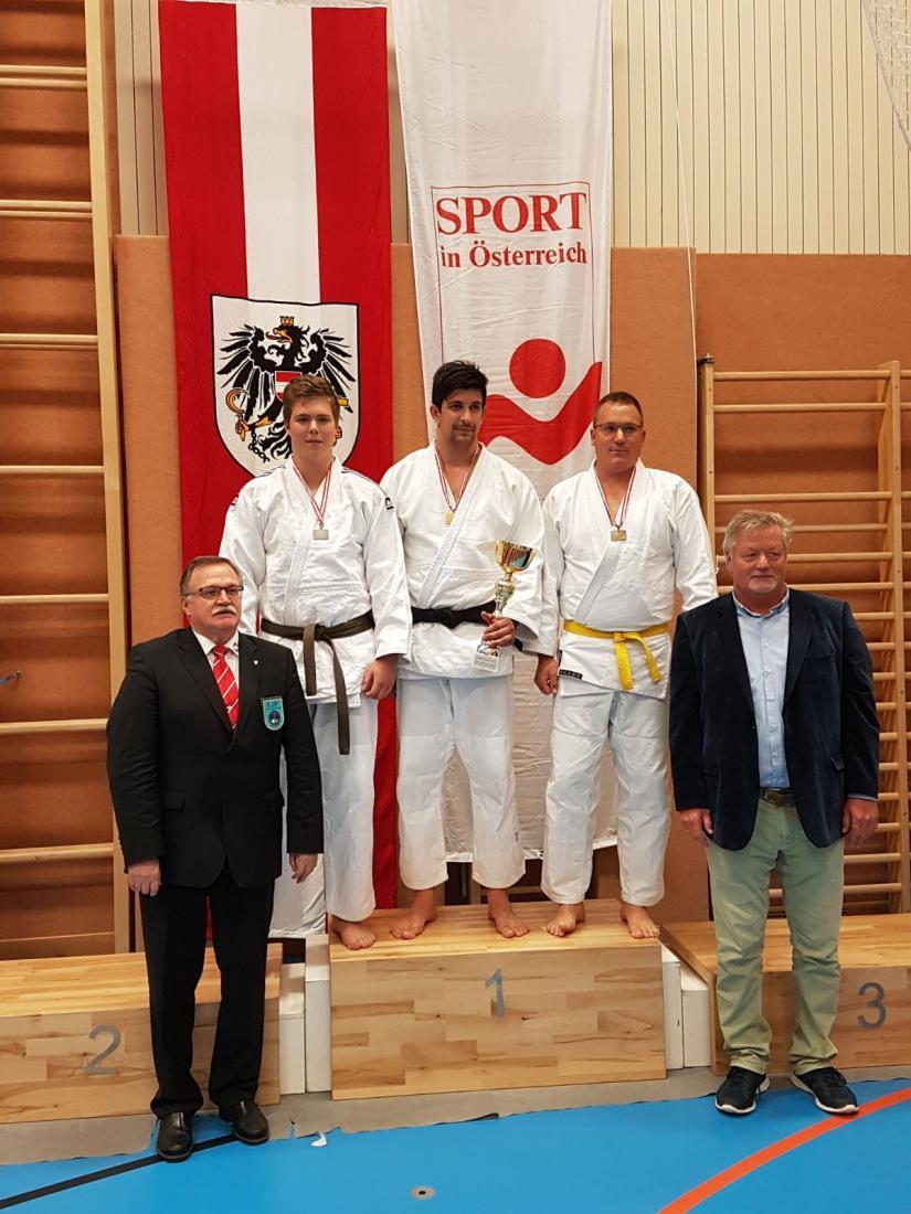 Zweiter Platz für Stefan Sallinger (Judokämpfer ganz links) vom ASKÖ ESV St. Veit/Glan bei den ASKÖ-Bundesmeisterschaften 2017.