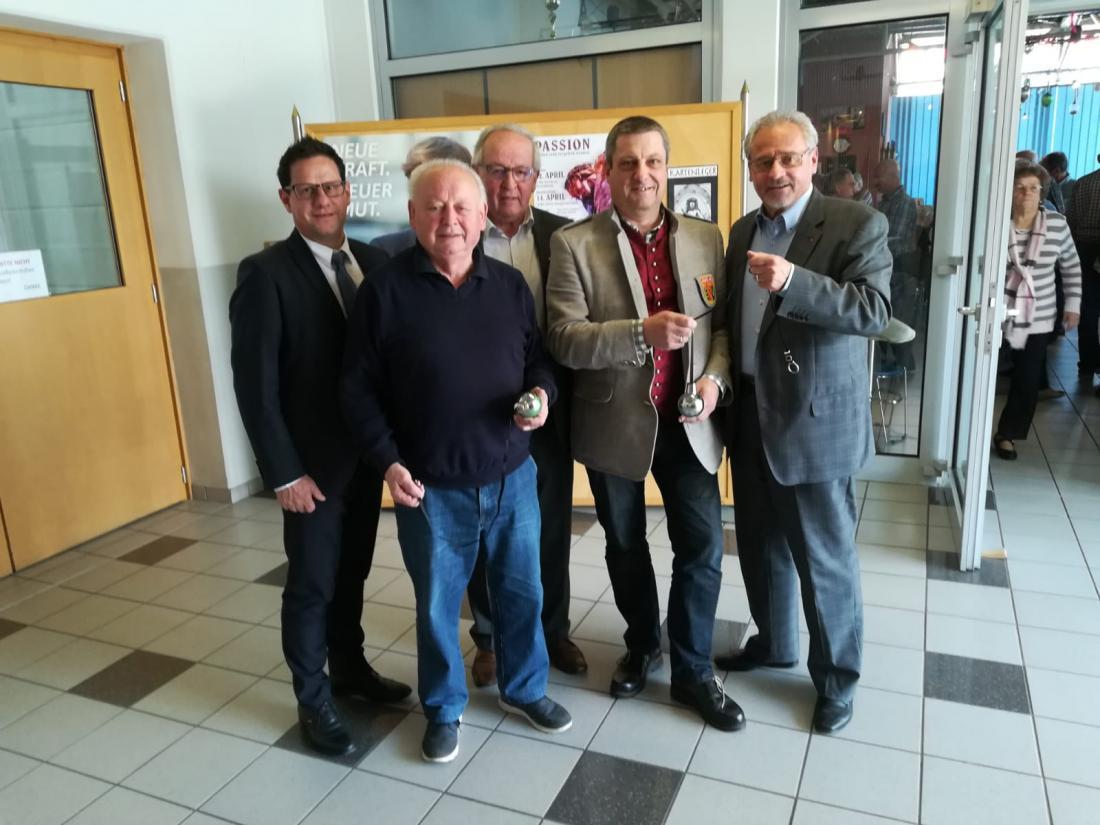 Von links: Bgm. Arnold MARBEK (Landessekretär des PVÖ Kärnten), Manfred POSCHARNIG (Landesbocciareferent des PVÖ Kärnten), Karl BODNER (Landespräsident des PVÖ Kärnten und Vorsitzender der PVÖ Bezirksorganisation St. Veit/Glan), Karl JARITZ (Obmann des ASKÖ ESV St. Veit/Glan), BR Dr. Gerhard LEITNER (Landespräsident-Stellvertreter des PVÖ Kärnten und Vorsitzender der PVÖ Bezirksorganisation Klagenfurt-Stadt).